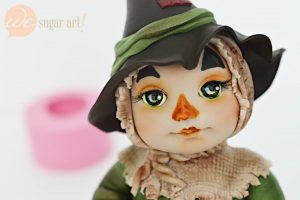 Scarecrow Figurine Tutorial & More Prizes at the Ball!